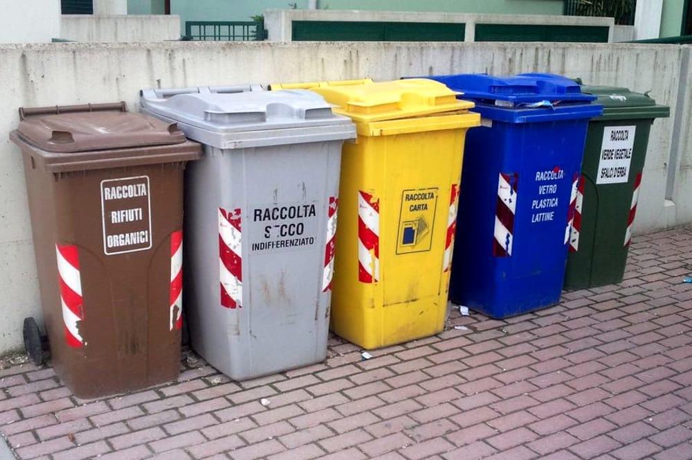 A decorrere lunedì 27 gennaio, nelle vie Due Fontane e Concetto Marchese, saranno tolti i cassonetti