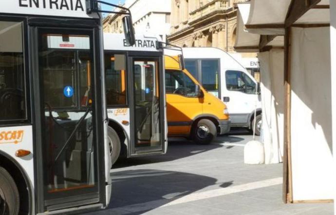 Bus urbani e disagi studenti universitari, interrogazione del consigliere Mulè di Caltanissetta protagonista