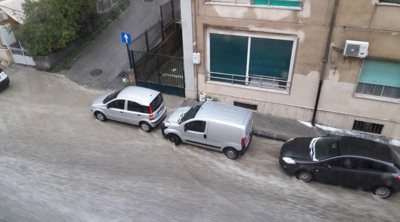 Video: Forte grandinata a Caltanissetta