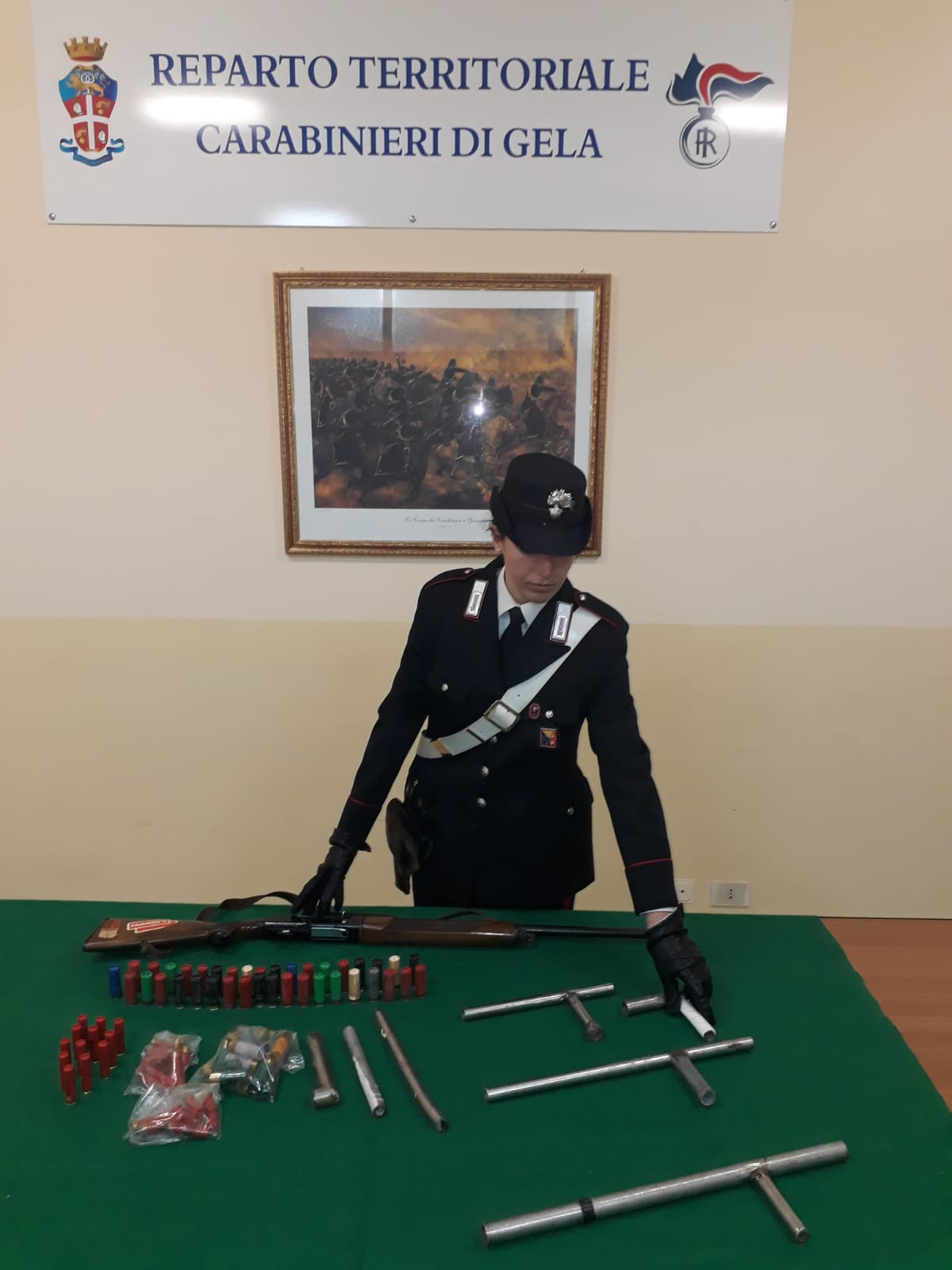 Possesso di armi artigianali clandestine, due arresti a Gela