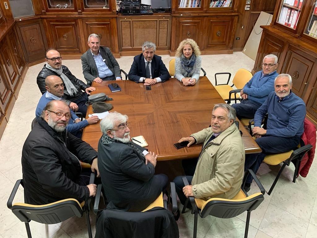 """Incontro a Palazzo del Carmine con i comitati di quartiere. Gambino: """"Sono anche i comitati di quartiere la forza viva di una città"""""""