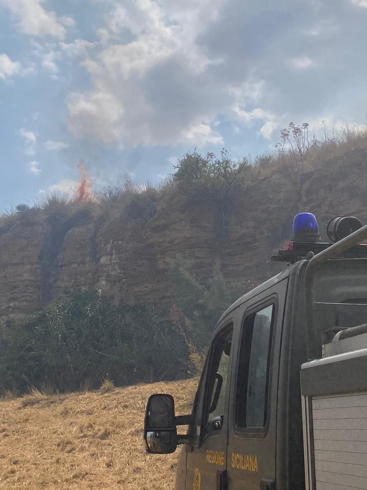 +++ FOTONOTIZIA+++ Incendio nella valle dell'Imera